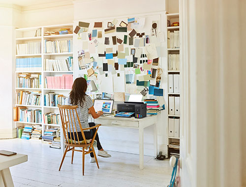 How to create a home office in a small space with Epson